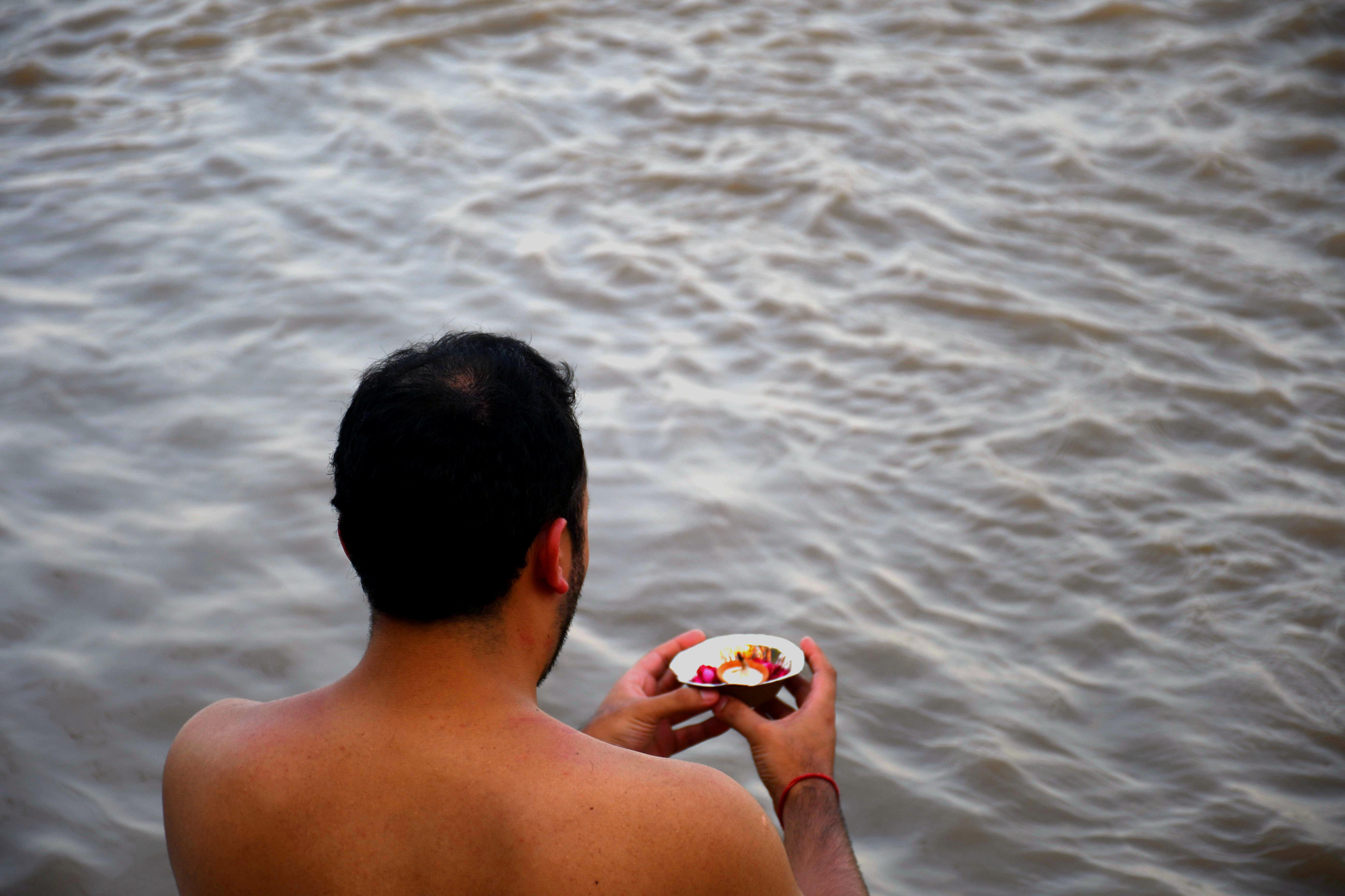 Holy Dip im heiligen Ganges